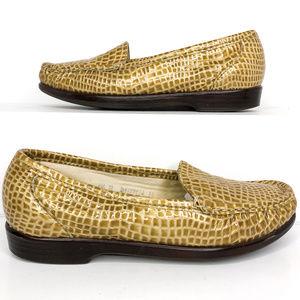 SAS Size 6.5 Faux Crocodile Slip On Loafers